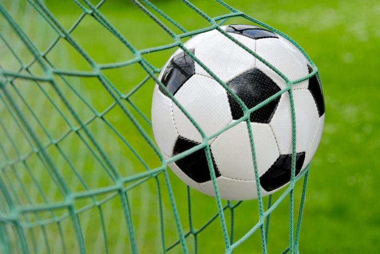 Freizeitmöglichkeit Fußball