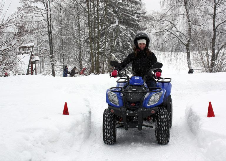 Teambuliding im Winter Quadfahren